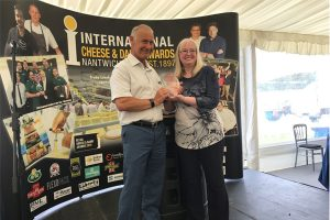 Dairy UK honours lifetime achievement of cheese processor