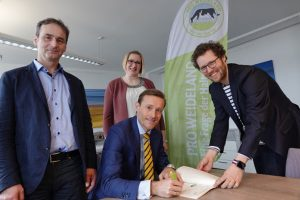 Meadow milk charter for German Arla